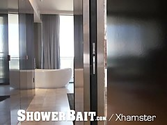 showerbait - griffin barrows seduced by hung roommate